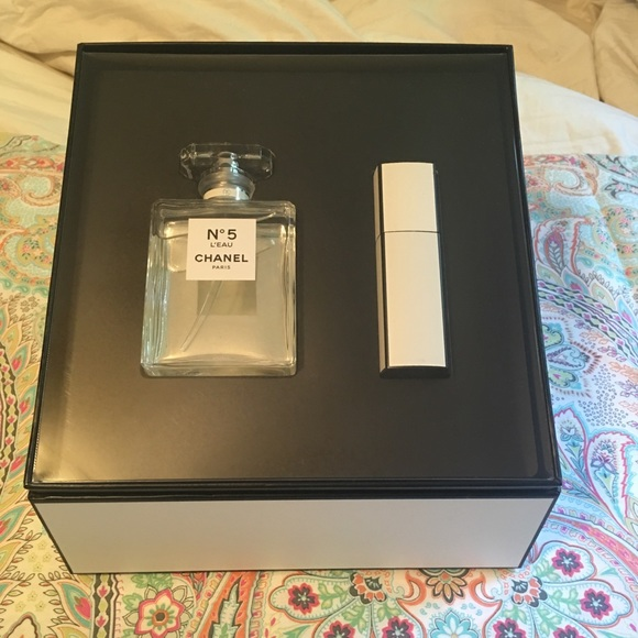d9899459a97 Chanel No5 Set NEW!